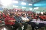 Pengurus DPD PAN Kota Jogja, Muhammad Ali Fahmi dan Rifki Listianto (Batik biru) tampa duduk bersama pengurus DPD dan DPC PDIP dalam acara syawalan PDIP di Sporthall Kridosono, Minggu (31/7/2016) sore. (Ujang Hasanudin/JIBI/Harian Jogja)