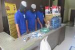 PEMALSUAN MINUMAN KEMASAN  : Disperindakop Peringatkan Toko Penjual Air Mineral Galon Palsu