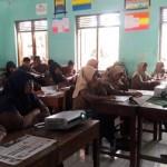 Redaktur Solopos, Danang Nur Ikhsan, saat memberikan pelatihan jurnalistik kepada puluhan siswa SMA Muhammadiyah 1 Simo, dalam rangka SOLOPOS-Yamaha Goes to School, Sabtu (28/8/2016). (Hijriyah Al Wakhidah/JIBI/Solopos)