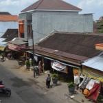 PASAR TRADISIONAL SUKOHARJO : 10 Tenda Payung Pedagang Pasar Ir. Soekarno Rusak