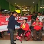 Atlet NPC Indonesia disambut saudara dan rekan-rekannya saat tiba di Bandara Adi Sumarmo usai berlaga di ajang Paralimpiade 2016 di Brasil  ,Kamis (22/9). (JIBI/SOLOPOS/ Sunaryo Haryo Bayu)
