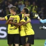 Pemain Borussia Dortmund merayakan gol ke gawang Real Madrid. (REUTERS/Kai Pfaffenbach)