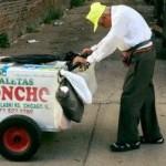 Kakek-kakek penjual es krim (Facebook Joel Cervantes Macias)