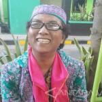 Sutrisnawati, 52, yang disebut waria asal Lumajang. (JIBI/Antara)