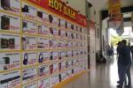 Pengunjung melihat daftar hot sale yang ditawarkan dalam pameran Yogyakomtek 2016, Rabu (7/9/2016). (Bernadheta Dian Saraswati/JIBI/Harian Jogja)