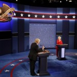 Donald Trump dan Hillary Clinton saat debat Pilpres AS, Senin (26/9/2016) waktu setempat. (JIBI/Reuters)