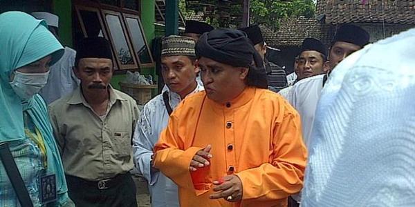 Dimas Kanjeng Taat Pribadi (Facebook)