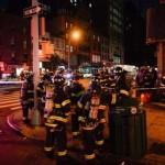Petugas pemadam kebakaran New York City berkumpul di dekat lokasi ledakan di Chelsea, dekat Manhattan, New York, Sabtu (17/9/2016) malam waktu setempat. (JIBI/Solopos/Reuters/Rashid Umar Abbasi)