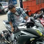 Sepeda motor milik Danang Danang Tri Prastowo, ayah dari korban meninggal dalam kecelakaan di Manahan, Farrel Arrafi Aditjandra, Jumat (23/9/2016) pagi. (Muhammad Ismail/JIBI/Solopos)