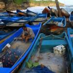 Gelombang Laut Pacitan Capai 4 Meter, Tangkapan Nelayan Menurun