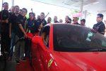 Pengisian pertamax turbo pada kendaraan high grade sebagai prosesi peluncuran pertamax turbo di SPBU COCO Lempuyangan, Jogja, Jumat (28/10/2016). (Harian Jogja/Kusnul Isti Qomah)