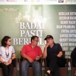 Musisi Yockie Suryo Prayogo saat memaparkan konsep konser Badai Pasti Berlalu Plus dalam jumpa pers yang digelar di Jade Bamboo Resto & Music, Jumat (30/9/2016). (Holy Kartika N.S/JIBI/Harian Jogja)