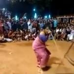 Meenakshiamma nenek sakti yang masih mahir bela diri (Capture Vidio.com)