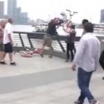 Pengangguran lempar sepeda ke sungai (Youtube)
