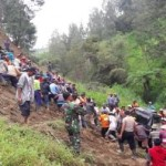 LONGSOR BOYOLALI : Pikap Terdorong ke Jurang Sedalam 50 Meter, 3 Penumpang Selamat
