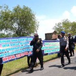 Labuhan Pantai Glagah Disambut Aksi Protes Penggarap PAG
