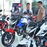 PENJUALAN KENDARAAN : Sepeda Motor Sport Kian Diminati