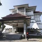 WISATA SOLO : PKL Sriwedari Minta Pemkot Bongkar Pagar Belakang Museum Keris