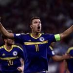 Edin Dzeko bersama TImnas Bosnia Herzegovina (REUTERS/Michalis Karagiannis)