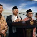 Ketua MUI KH. Ma'ruf Amin didampingi Menko Polhukam Wiranto, memberi keterangan pers usai diterima Presiden Jokowi, Selasa (1/11/2016). (Setkab.go.id)