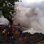 KEBAKARAN SUKOHARJO : 1.000 Ban Bekas Sengaja Dibakar, Warga Palur Panik