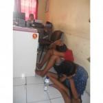 Dua bocah pelaku pencurian di Swalayan Luwes, Jl. Brigjen Katamso, Debegan, Mojosongo, Jebres, Solo, ketika diperiksa polisi di Polsek Jebres, Sabtu (5/11/2016). (Arif Fajar S/JIBI/Solopos)
