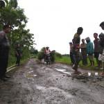 KONFLIK PENAMBANGAN KULONPROGO : Lewat Tanggul Irigasi, Jalur Tambang Ditutup