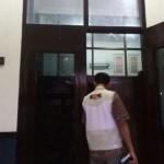 KORUPSI MADIUN : Penyidik KPK Sita Dokumen Keuangan dan Honor Bambang Irianto