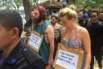 Dua turis asal Australia diarak keliling Gili Trawangan, Lombok, NTB (Facebook Gili Trawangan, Meno, Air)