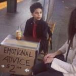 Ciro Ortiz saat melayani seorang wanita yang berkonsultasi (Odditycentral.com)