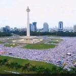 DEMO 2 DESEMBER :  Salat Jumat Aksi Super Damai 212 Jadi yang Pertama dan Terbesar di Monas