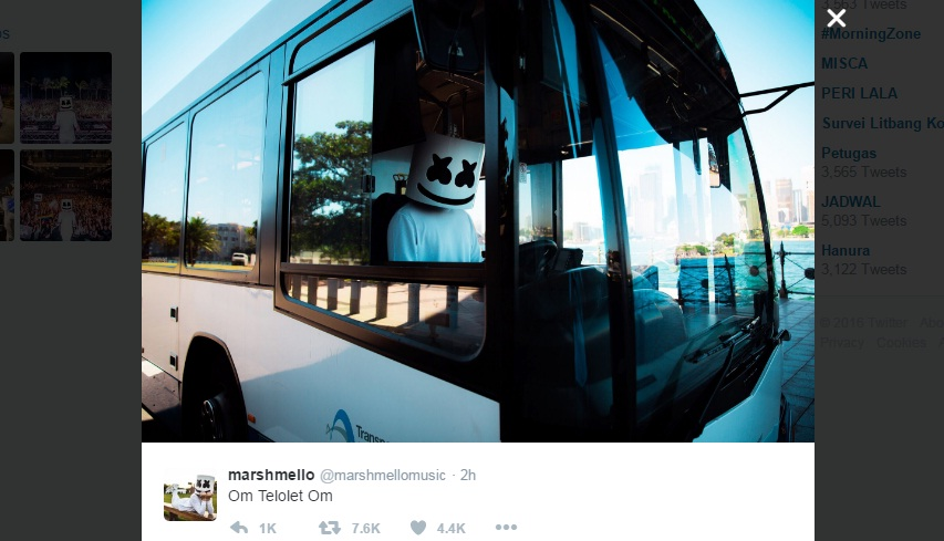 "DJ Marshmello pamer foto kocak ""Om Telolet Om."" (Istimewa/Twitter)"