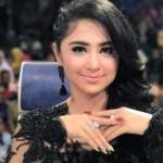 Dewi Persik (Instagram @dewiperssikreal)