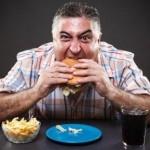 TIPS KESEHATAN : 4 Alasan Tak Boleh Makan Terburu-buru