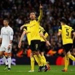 Para pemain Borussia Dortmund merayakan gol ke gawang Real Madrid. (REUTERS/Susana Vera)