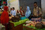 HARGA KEBUTUHAN POKOK : Stok Aman, Harga Masih Naik