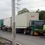 Parkir Liar Truk di Sekitar Pelabuhan Tanjung Emas Semarang Ditertibkan