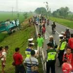 KECELAKAAN GROBOGAN : Bus Terjungkal ke Sawah, 7 Penumpang Luka-luka