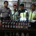 RAZIA SALATIGA : Jelang Ramadan, Polsek Sidorejo Rampas Puluhan Botol Miras di Sembir