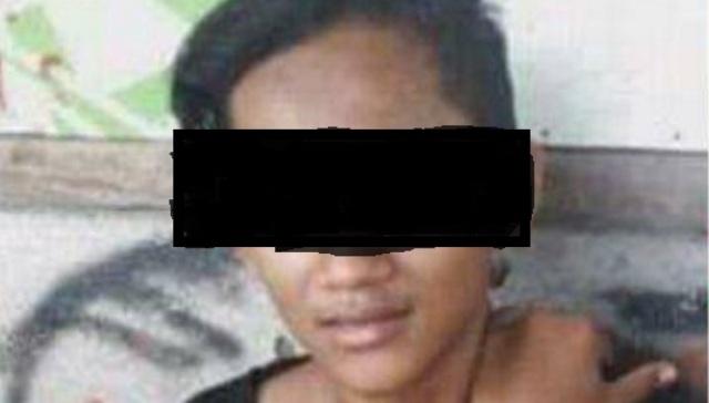 Remaja yang dituduh mencuri di kedai Komunitas Semarangker yang juga posko Komunitas Lindu Aji, Kelurahan Sambiroto, Kecamatan Tembalang, Kota Semarang, Jawa Tengah (Jateng), Selasa (13/12/2016) malam. (Facebook.com-Marcellino Dewa Bagaskara)