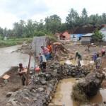 Tanggul Kali Carik di Dusun Seling, Kebonrejo. (Harian Jogja/ Sekar Langit Nariswari)