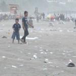 CUACA EKSTREM : Sampah Menggunung, Nelayan Pantai Selatan Sulit Melaut