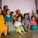 "KISAH INSPIRATIF : 9 Dari 11 Anggota Keluarga Ini Bertubuh ""Mungil"", Ini yang Mereka Lakukan"