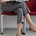 TIPS KESEHATAN : Awas, Duduk Menyilangkan Kaki Ternyata Berbahaya