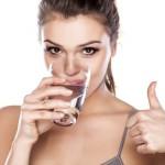 Ilmuwan Sebut Orang Indonesia Tak Cukup Minum 8 Gelas Per Hari