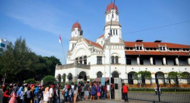 Lawang Sewu menjadi salah satu tujuan utama wisatawan di Kota Semarang, Jateng, Minggu (1/1/2017). (JIBI/Solopos/Antara/Harviyan Perdana Putra)