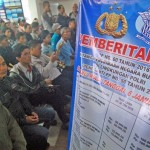 FOTO PAJAK KENDARAAN : Biaya STNK dan BPKB Naik, Samsat Ramai