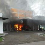 KEBAKARAN MAGETAN : Diduga Korsleting, Minimarket Milik Lanud Iswahjudi Terbakar