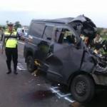 Minibus Tabrak Truk di Tol Cipali, 7 Orang Tewas