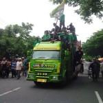 FOTO DEMO PETANI : Massa yang Mengaku Sebagai Petani Tembakau Kembali Datangi Kantor Gubernur Jateng